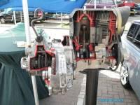 Kies als voorbeeldfoto voor het album: Opengewerkt Trabant 2 Takt motorblok en versnelingsbak